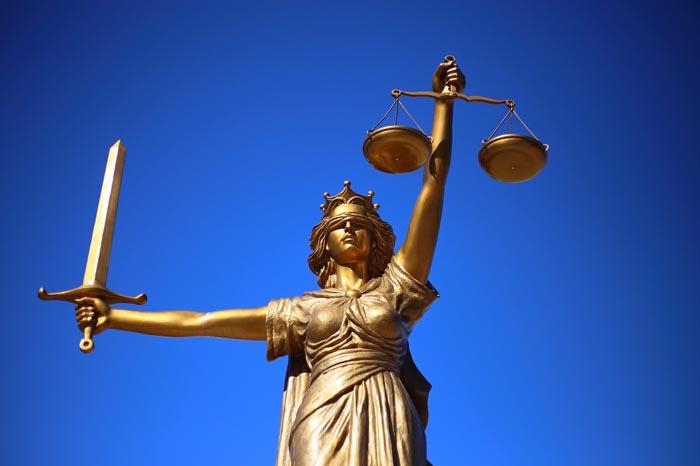 Justicia Divina En Clinicaunrorg