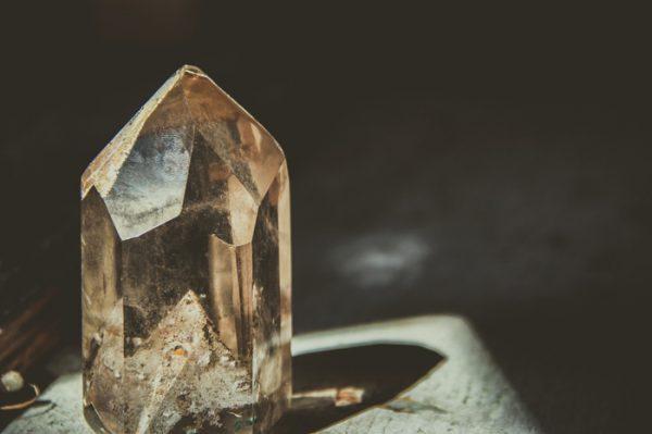 Qué es la cristalomancia
